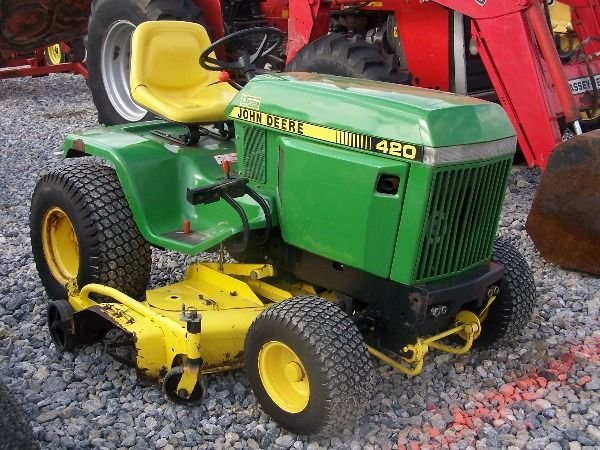 225A: Nice John Deere 420 Lawn and Garden Tractor!! - 4