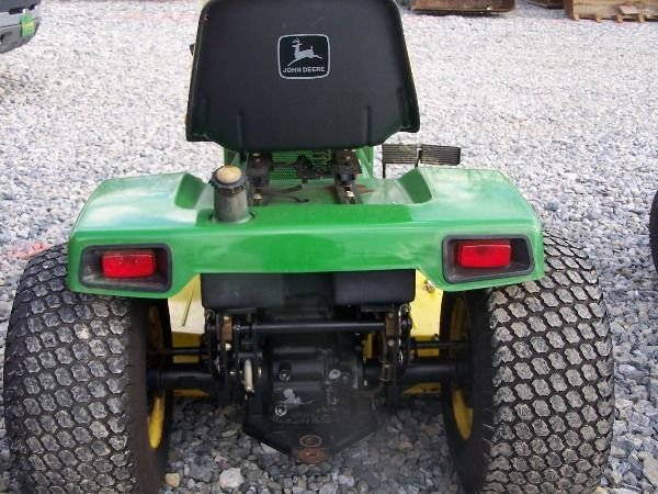 225A: Nice John Deere 420 Lawn and Garden Tractor!! - 7