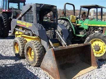 304: New Holland LS 150 Skid Steer Loader