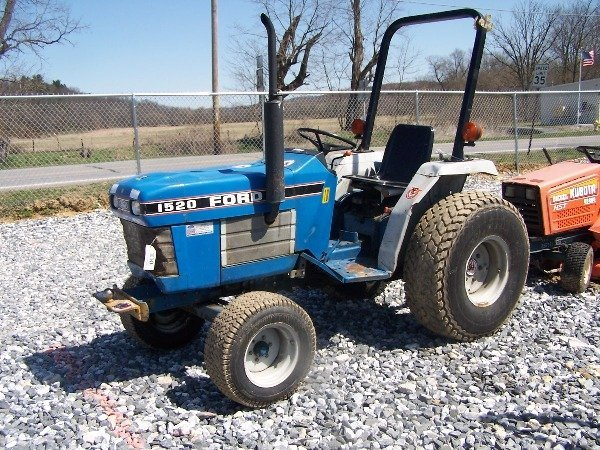 550: Ford 1520 Tractor Blown Engine