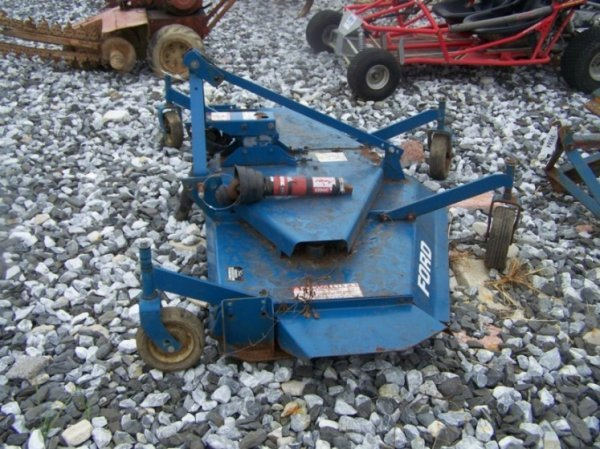 "13: Ford 930A 72"" Finish Mower For Tractors - 2"