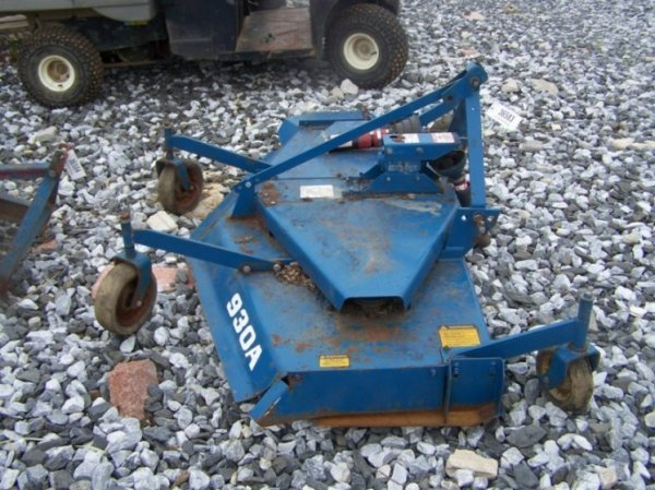 "13: Ford 930A 72"" Finish Mower For Tractors - 4"