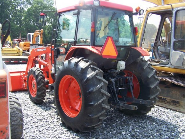 148: Kubota M5700 4x4 Tractor with Loader and Cab - 4