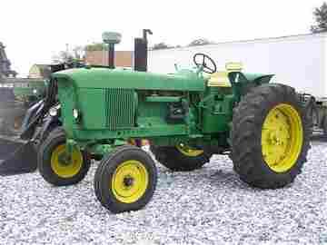 217: 1972 John Deere 4020 Side Console Farm Tractor