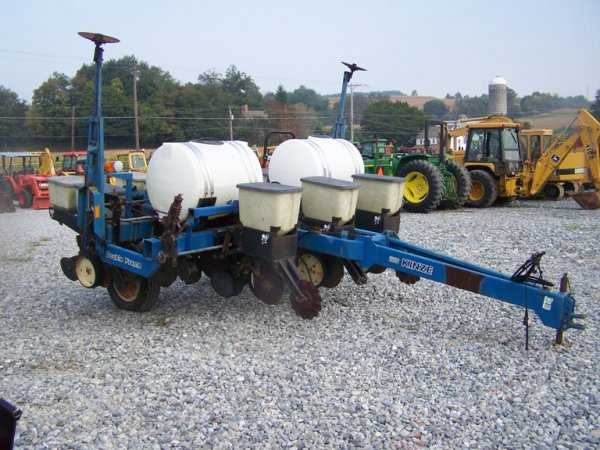 233 Kinze 2000 Pull Type 4x Planter For Tractors