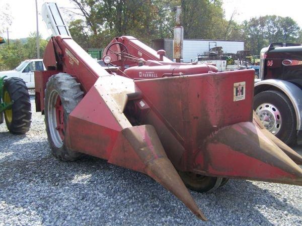 505: Farmall IH Super MTA Tractor w/ 234 Corn Picker NI