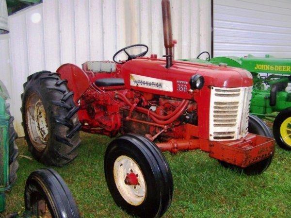 507: Farmall IH 350 Tractor Diesel Utility Nice