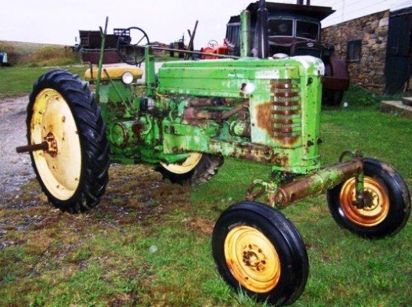 509: John Deere BWH Tractor Late Styled Very Nice
