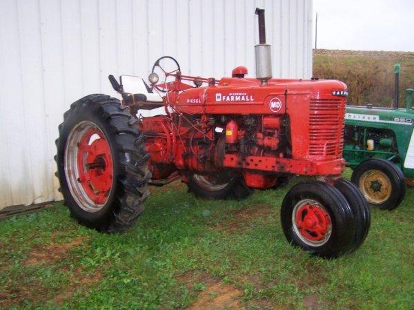 515: Farmall MD Tractor w/ 9 Speed Transmission