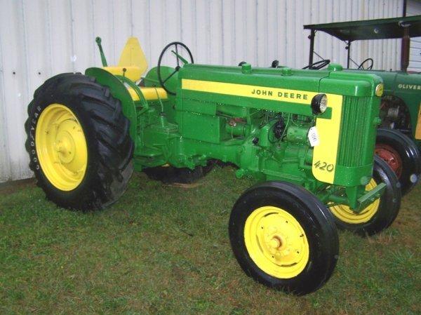 516: John Deere 420 Utility Tractor