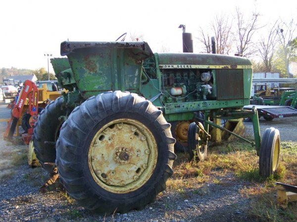 518: John Deere 4230 Hi-Crop Tractor