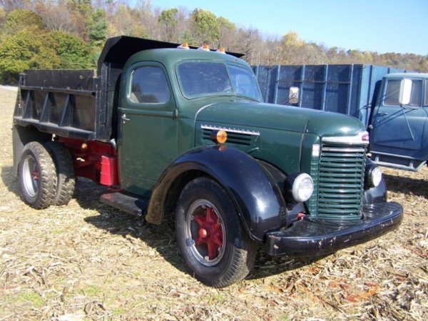 540: 1947 IH KB-8 Single Axle Dump Truck