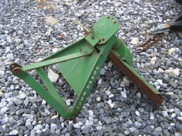 39: John Deere 4' 3pt Blade For Tractors with Manual A