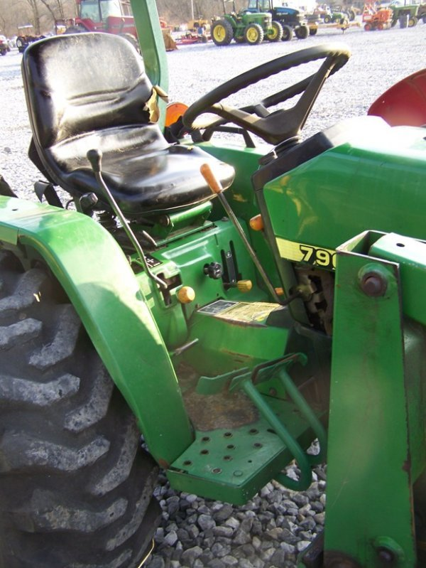 1125: John Deere 790 4x4 Compact Tractor with Loader - 10