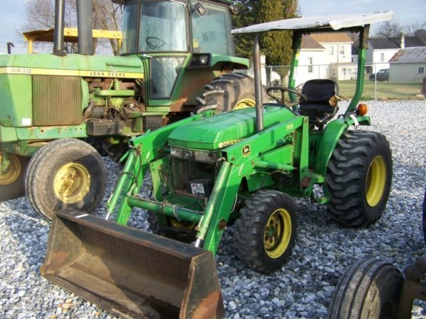 1125: John Deere 790 4x4 Compact Tractor with Loader