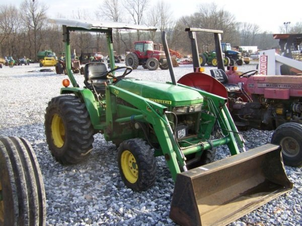 1125: John Deere 790 4x4 Compact Tractor with Loader - 3