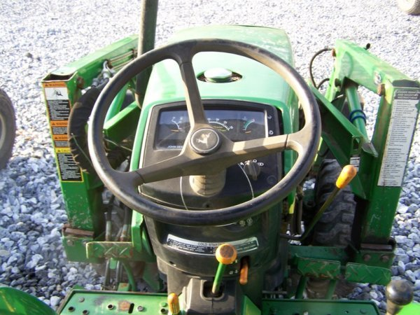 1125: John Deere 790 4x4 Compact Tractor with Loader - 6