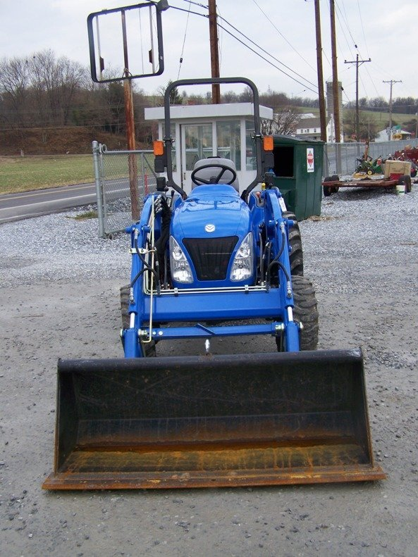 1179: New Holland TC29DA 4x4 Compact Tractor with Loade - 2