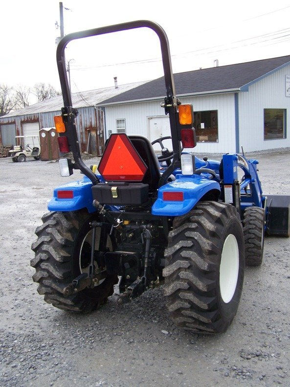 1179: New Holland TC29DA 4x4 Compact Tractor with Loade - 4