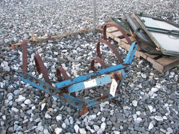 1019: 3pt Cultivator for Tractors