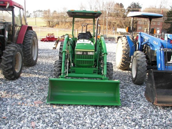 1216: John Deere 990 4x4 Compact Tractor with Loader - 2