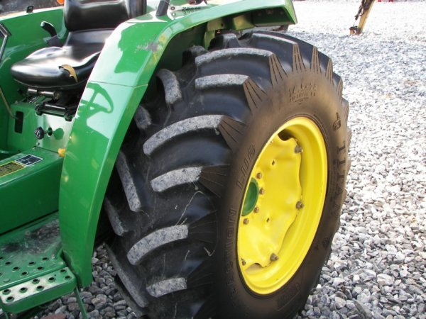 1216: John Deere 990 4x4 Compact Tractor with Loader - 5