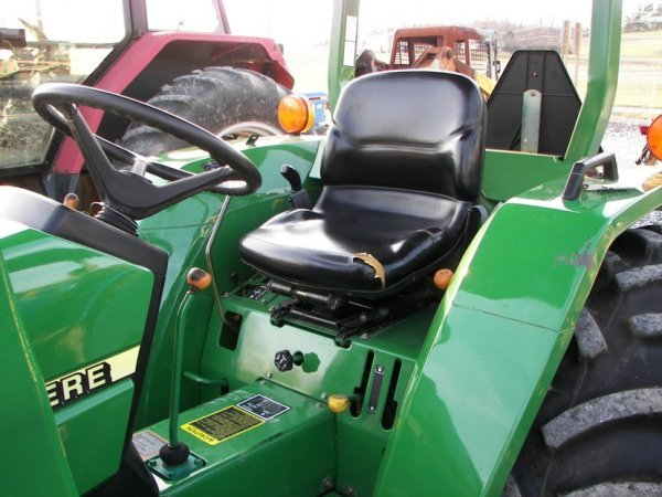 1216: John Deere 990 4x4 Compact Tractor with Loader - 6