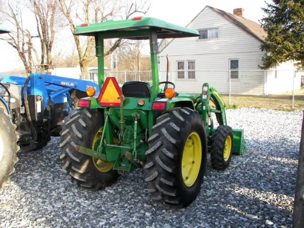 1216: John Deere 990 4x4 Compact Tractor with Loader - 8