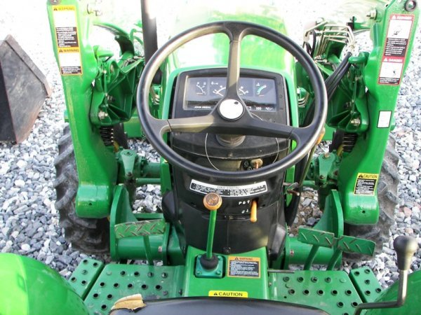 1216: John Deere 990 4x4 Compact Tractor with Loader - 9