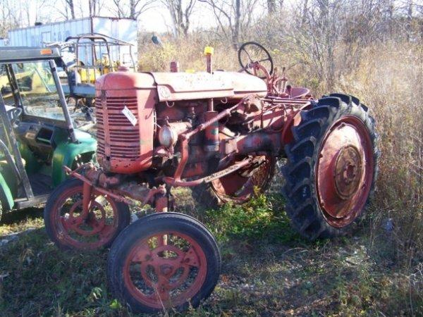 53: International Farmall Super AV Hi Crop Tractor