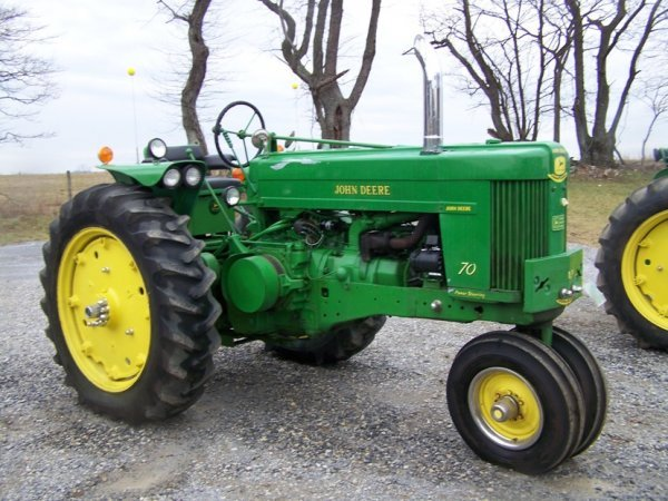 135: John Deere 70 Gas Antique Tractor 800 Series Hitch