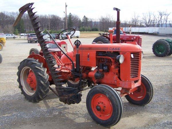 194: Case VAI Antique Tractor w/ Side Mount Sickle Bar