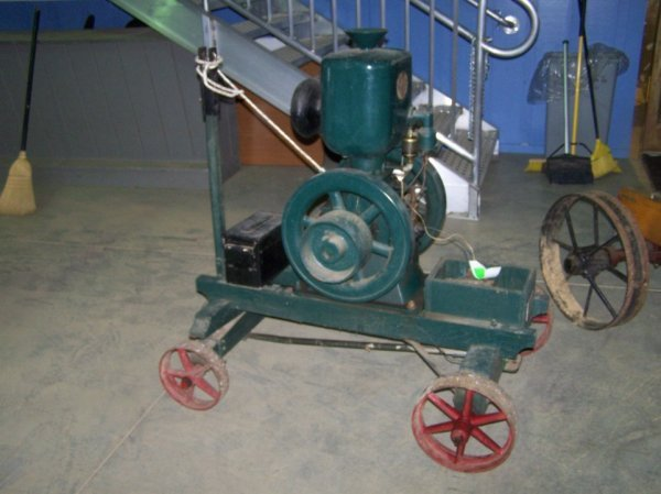 103: Ideal Upright Hit and Miss Engine