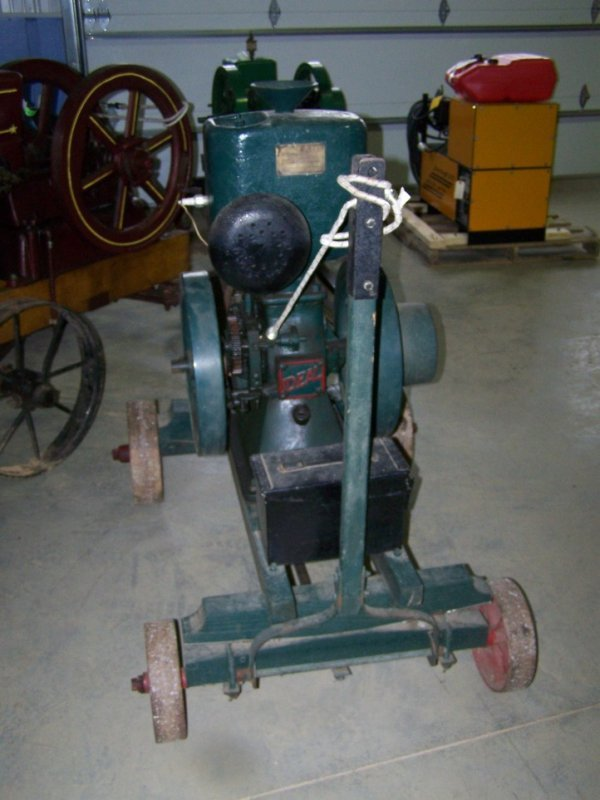 103: Ideal Upright Hit and Miss Engine - 2