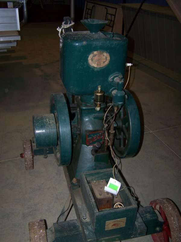 103: Ideal Upright Hit and Miss Engine - 5