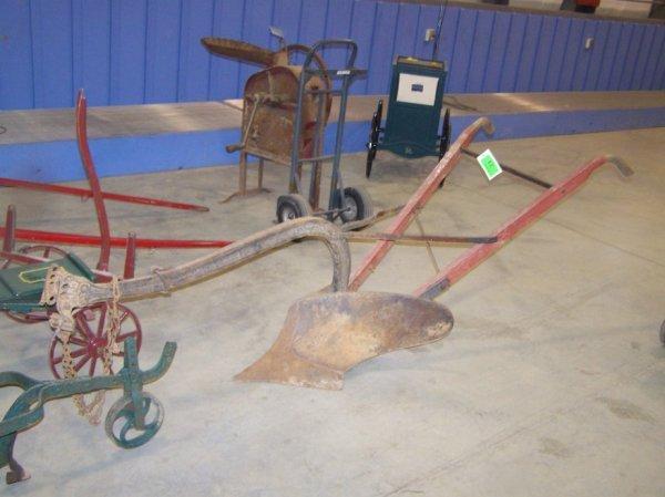 12: Syracuse Antique Horse Drawn 1 Bottom Plow
