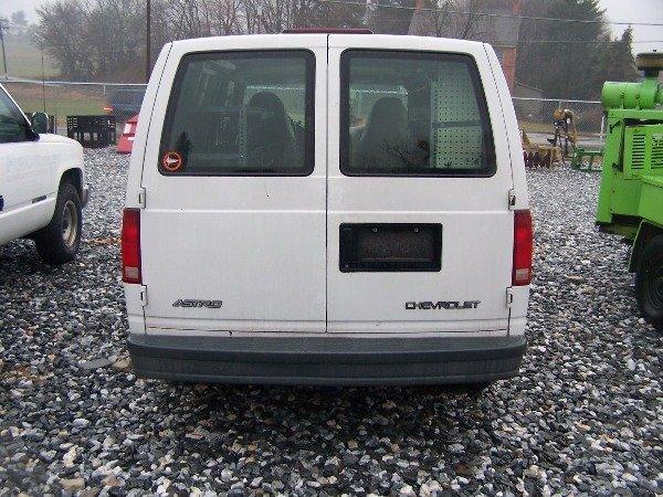 117: 1998 Chevy 4x4 Astro Van Automatic,  - 4