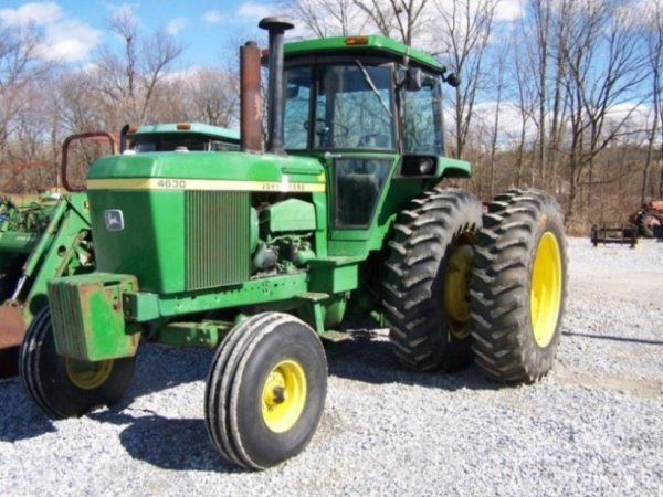 347: John Deere 4630 Tractor with Cab and Duals
