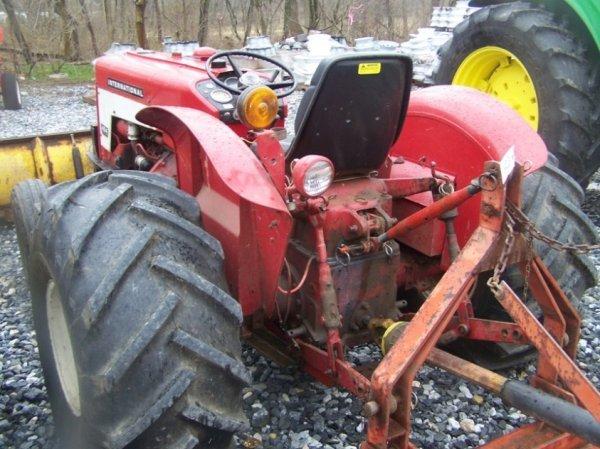 623: International 424 Tractor with Snowblade, Gas, - 4