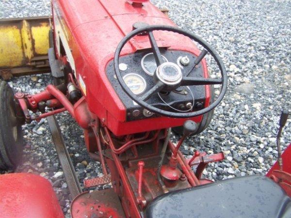 623: International 424 Tractor with Snowblade, Gas, - 6