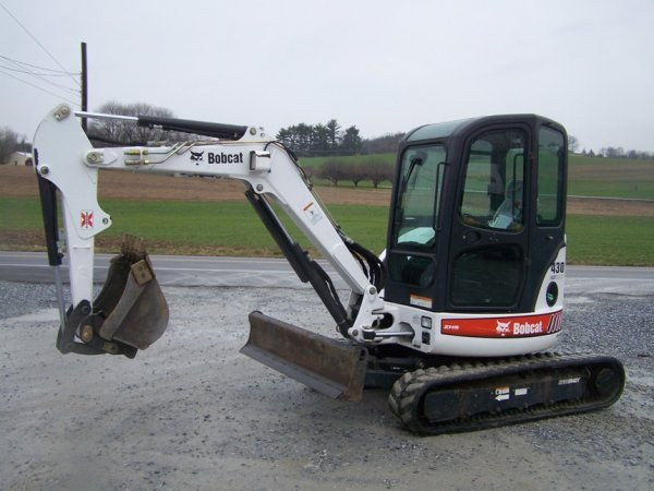 665: Bobcat 430 G Mini Excavator, Zero Tail Swing 2006