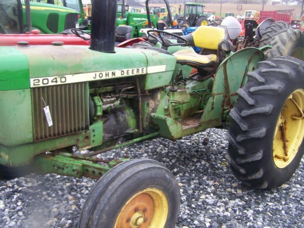 742: John Deere 2040 Farm Tractor, Spin out Rims - 7