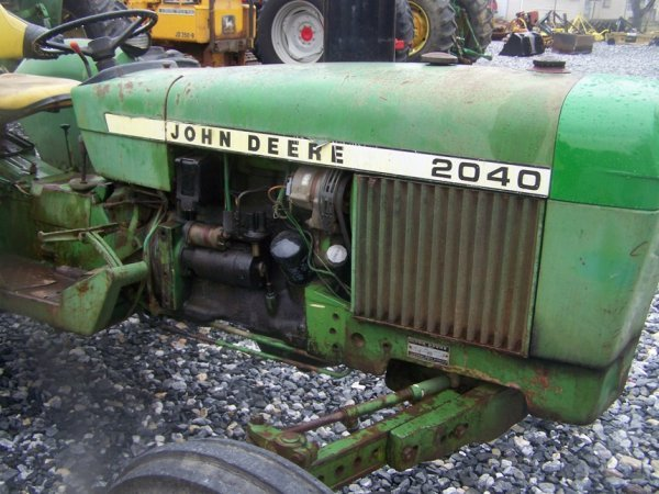742: John Deere 2040 Farm Tractor, Spin out Rims - 9