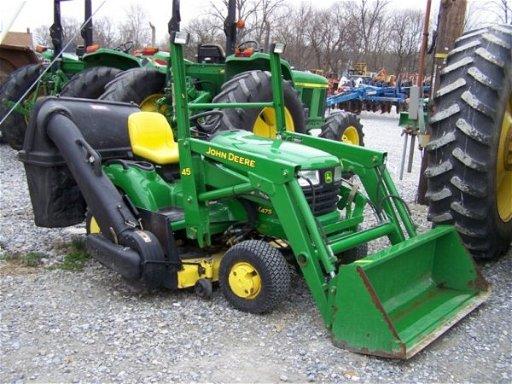 674 John Deere X475 Lawn And Garden Tractor Loader