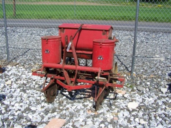 63: Massey Ferguson 3pt 2 Row Corn Planter for Tractors