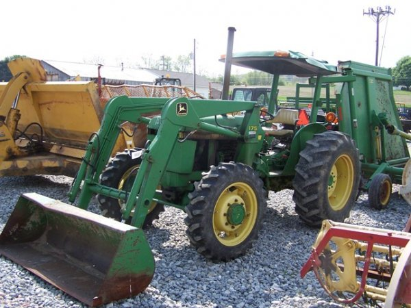 456: John Deere 2150 4x4 Tractor with Loader