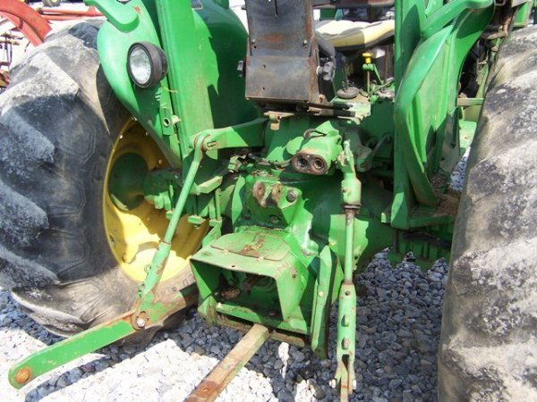 456: John Deere 2150 4x4 Tractor with Loader - 5