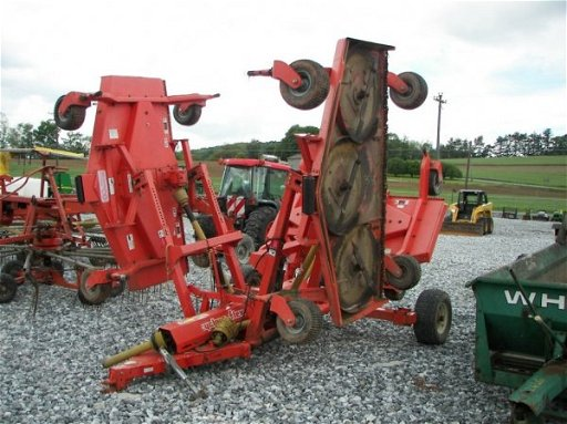 1315: Befco Cyclone Flex Batwing Finish Mower for Tract