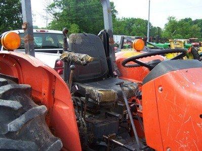 1319: Kubota M7030 4x4 Farm Tractor with Loader - 8
