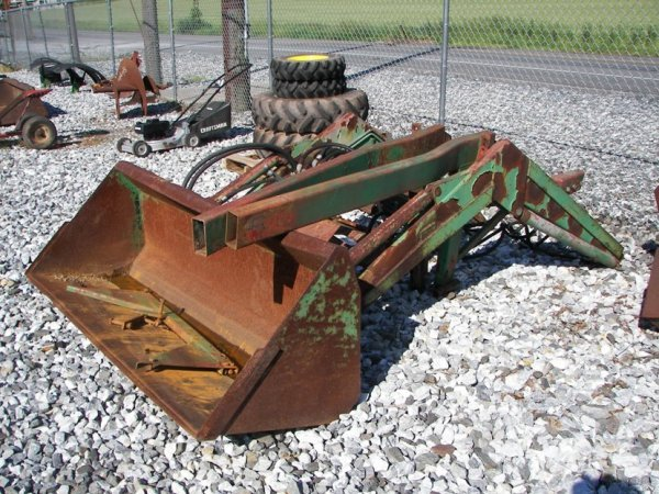 1013: Schwartz Loader for John Deere 4020 Tractors